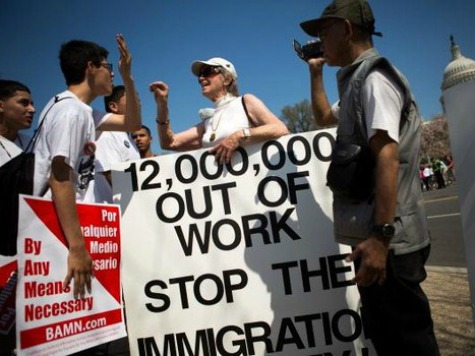 Immigration-amnesty-protest-475x356-AFP