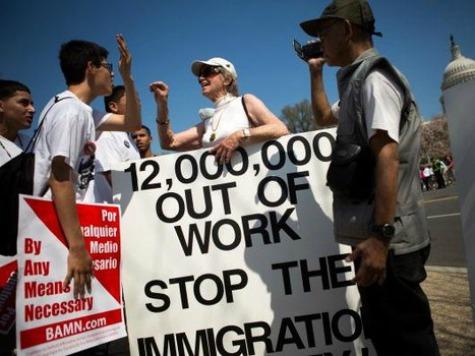 Immigration-amnesty-protest-475x356-AFP
